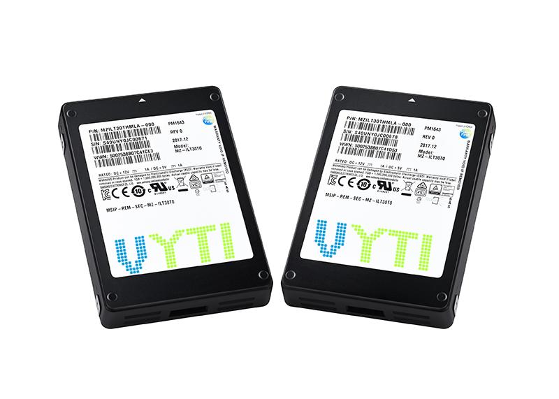 SSD Samsung pm1633A 30,72 TB -01